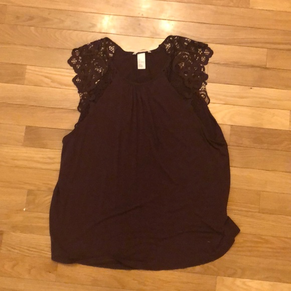 H&M Tops - Purple tank with cute sleeves